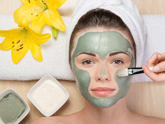 как правильно наложить маску на лицо