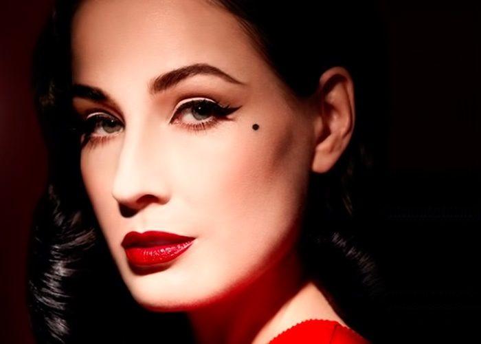 макияж под красное платье для брюнеток на фото 4