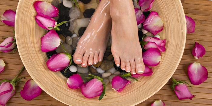 как избавиться в домашних условиях от потливости ног и неприятного запаха