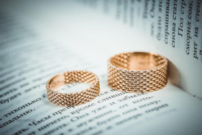 дизайнерские обручальные кольца 2018, свадебные новинки на фото 8