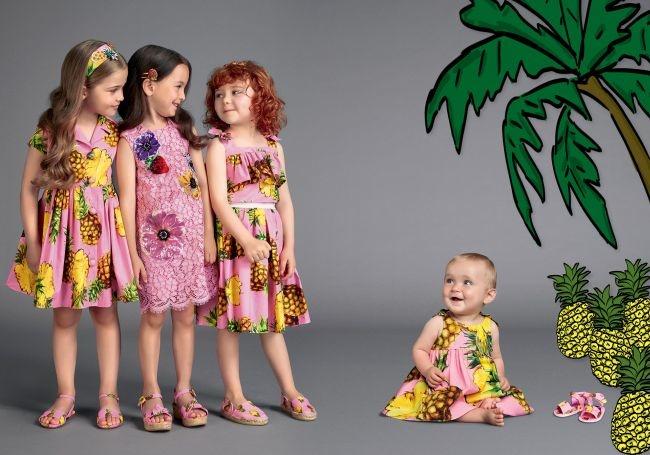 красивая и модная детская одежда на фото 1