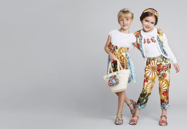 красивая и модная детская одежда на фото 4